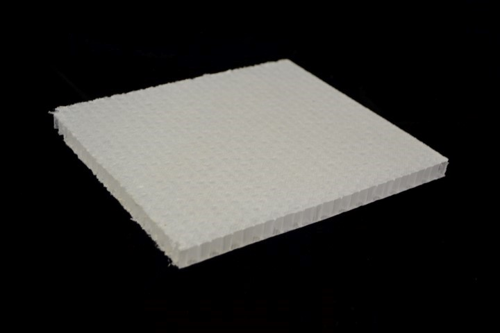 Polyester scrim of PP honeycomb to ensure complete bonding of FRP